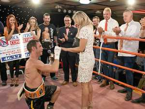 WATCH: Fight-night proposal proves a knock-out for one fan