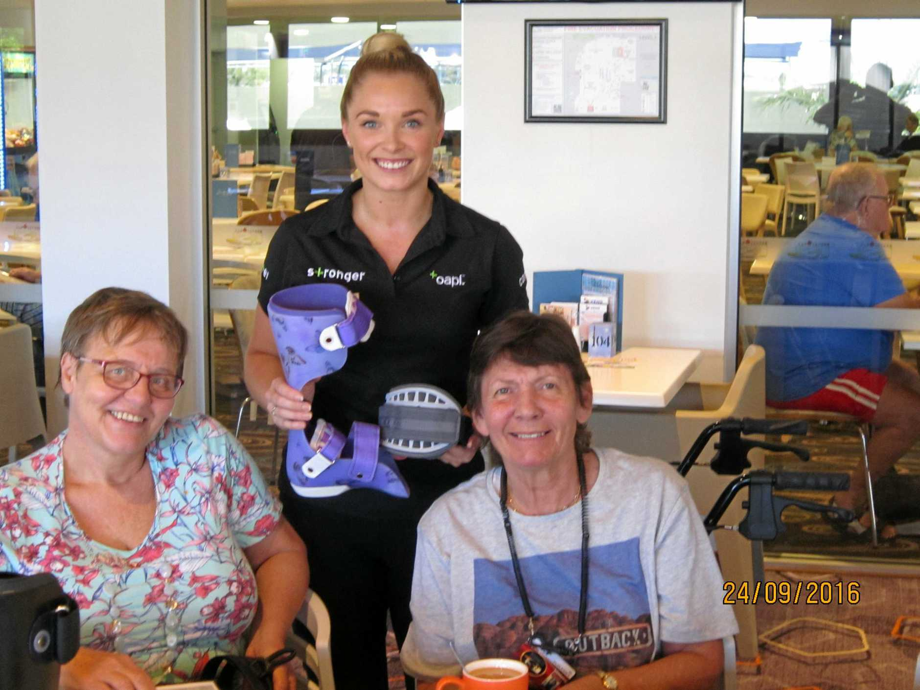 LEARN ING TOGETER: Hervey Bay and Maryborough MS Group L to R. Alison Schenk from 'OAPL' with members Angelika and Alison at March meeting.
