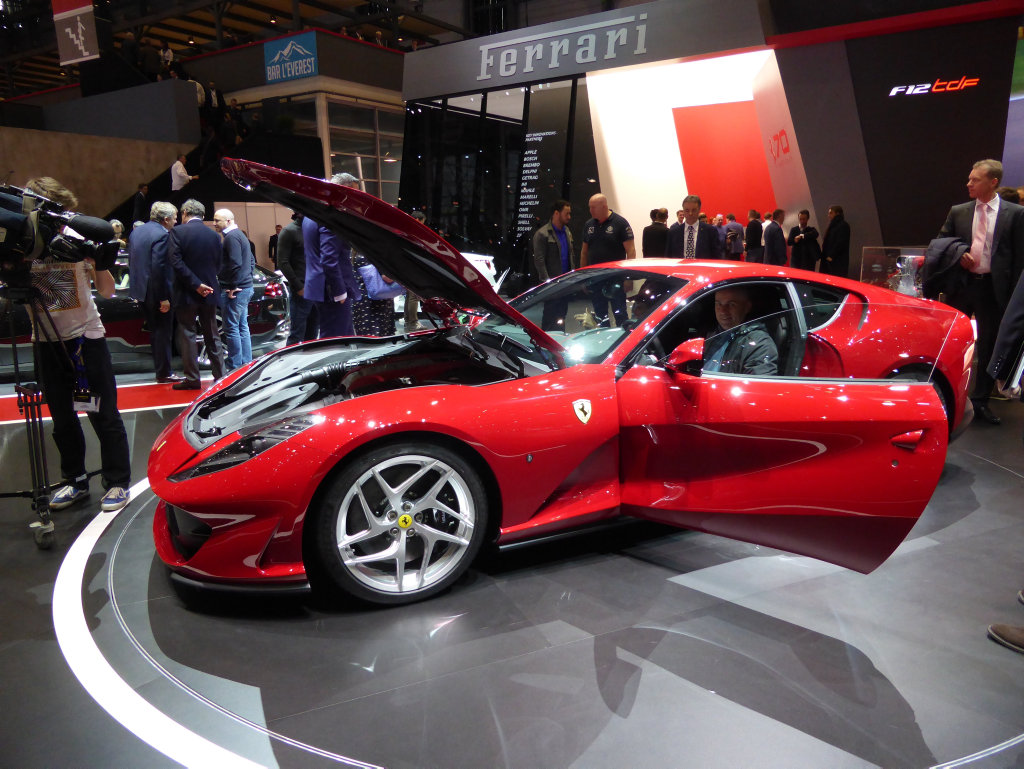 Also available in red...the 812 Superfast revealed at the 2017 Geneva Motor Show