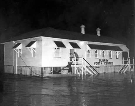 Sunroy Youth Centre surrounded by floodwaters from Petrie Creek in March 1964.