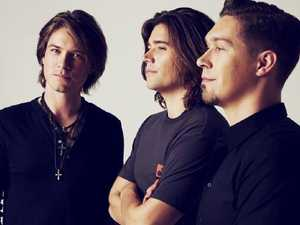 Hanson brothers announce dates for Middle of Everywhere tour