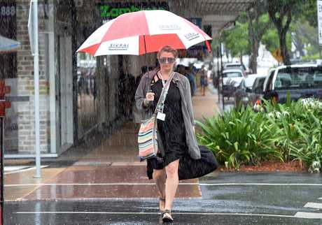 It's time to break out the umbrellas as the BOM predicts 100mm of rain for the Rockhampton region.