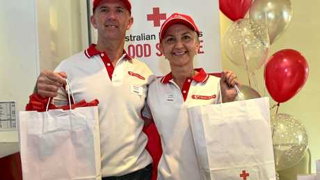 Brent and Lu Crosby of Team Adem gained a national blood donation award for their efforts in 2016. Photo: Che Chapman / Sunshine Coast Daily