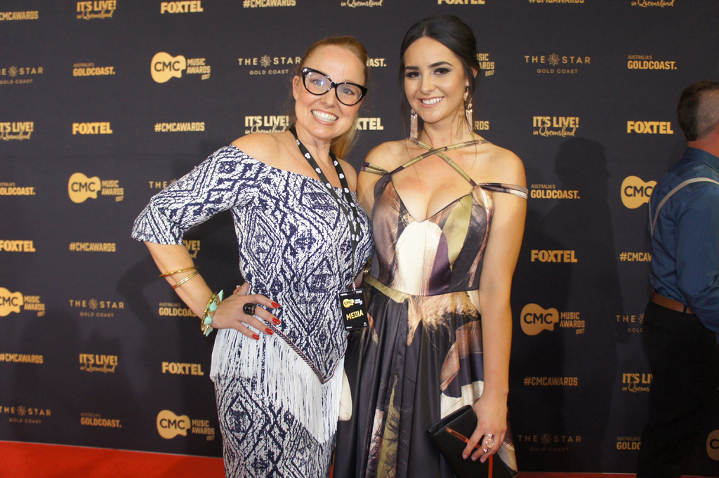 Cindy Vogels with singer Missy Lancaster, who wore one of her gowns to the CMC Music Awards.