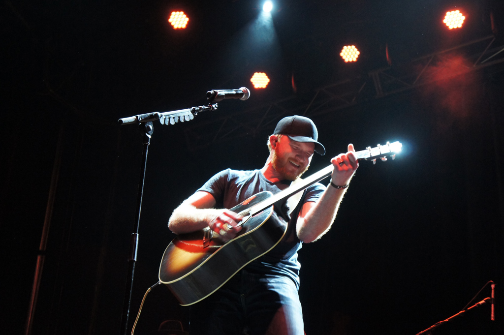 Eric Paslay performs on the first night of CMC Rocks at Willowbank.