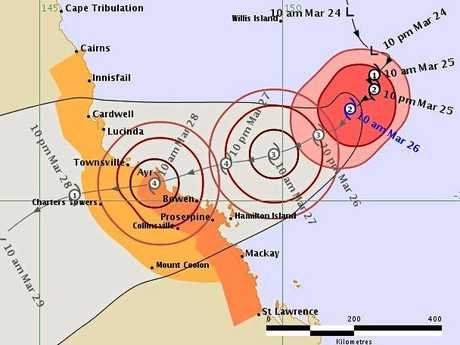 Cyclone Debbie: Thousands evacuated as storm bears down on Queensland