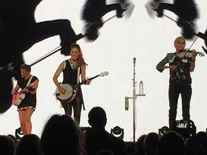 Dixie Chicks to visit Ipswich today after 'amazing' sideshow