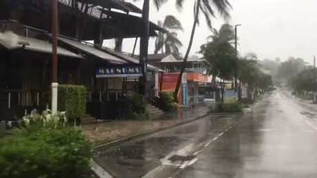 Powerful cyclone slams into Australia's tropical northeast