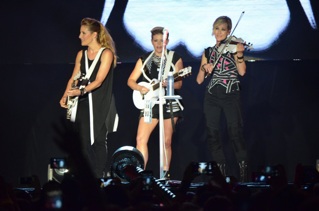 The Dixie Chicks had fans at CMC Rocks Queensland up on their feet.