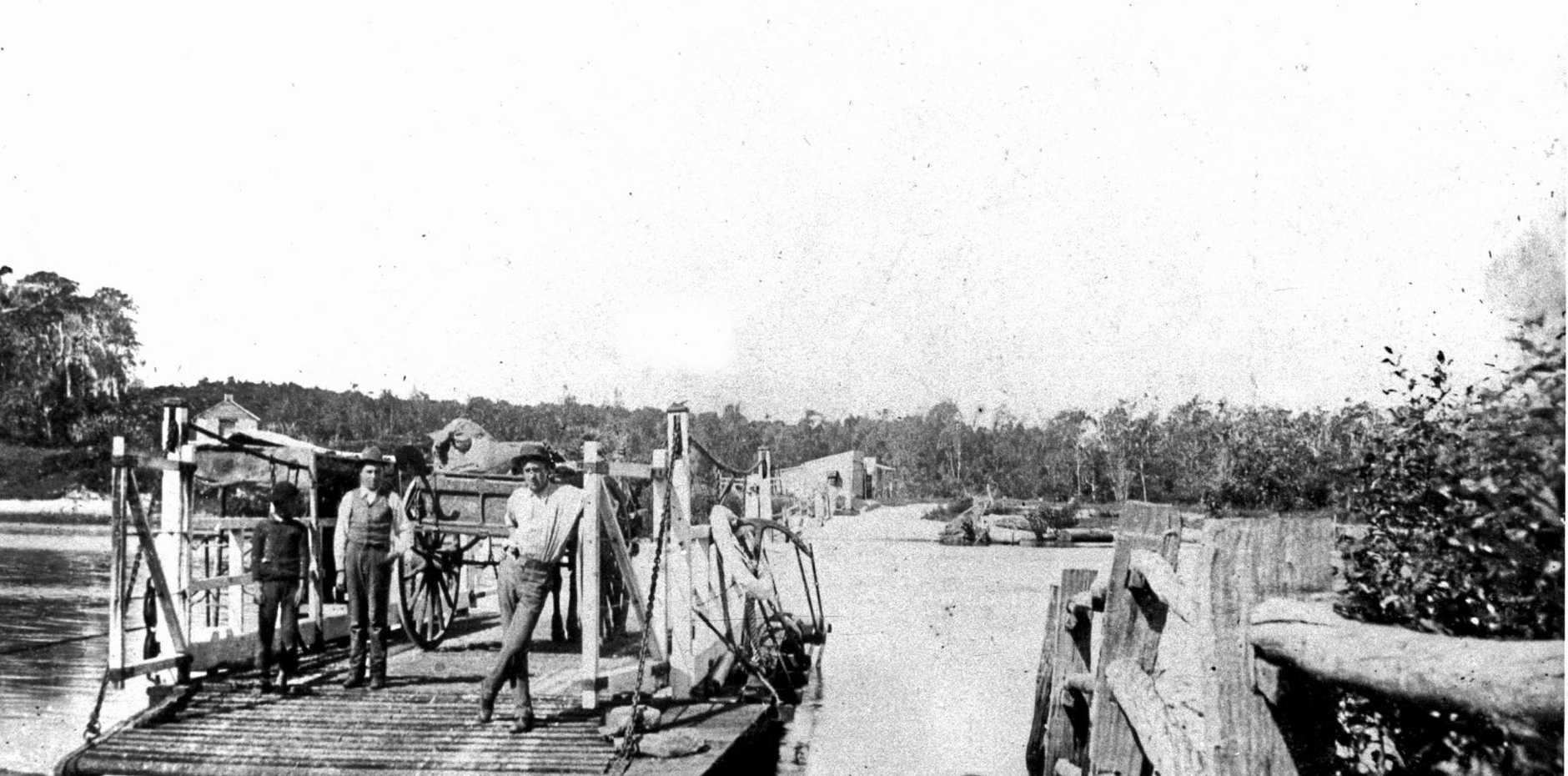 TRANSPORT: North Creek Ferry, c.1905.