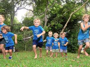 Barlow Telford, Blaise Telford, Flynn Cairncross, Lewis Telford, Charlie Cairncross, Cooper Telford and Oliver Cairncross prepare for the Gold Coast Marathon with the Green Heroes.
