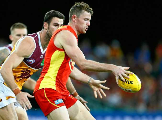 Pearce Hanley of the Suns in action.