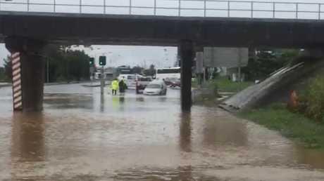 Flash flooding Gladstone bridge