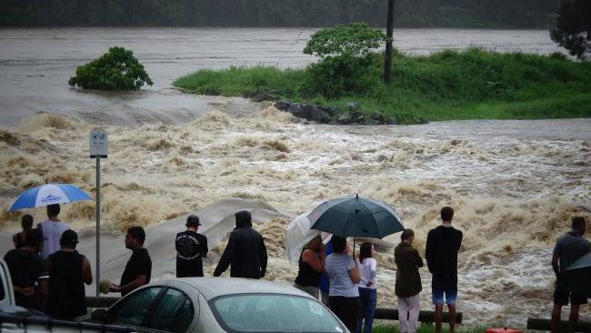 Oxenford causeway overflows. Photo by Brett Faulkner