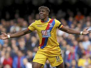 Palace shocks Chelsea to give chasers some hope