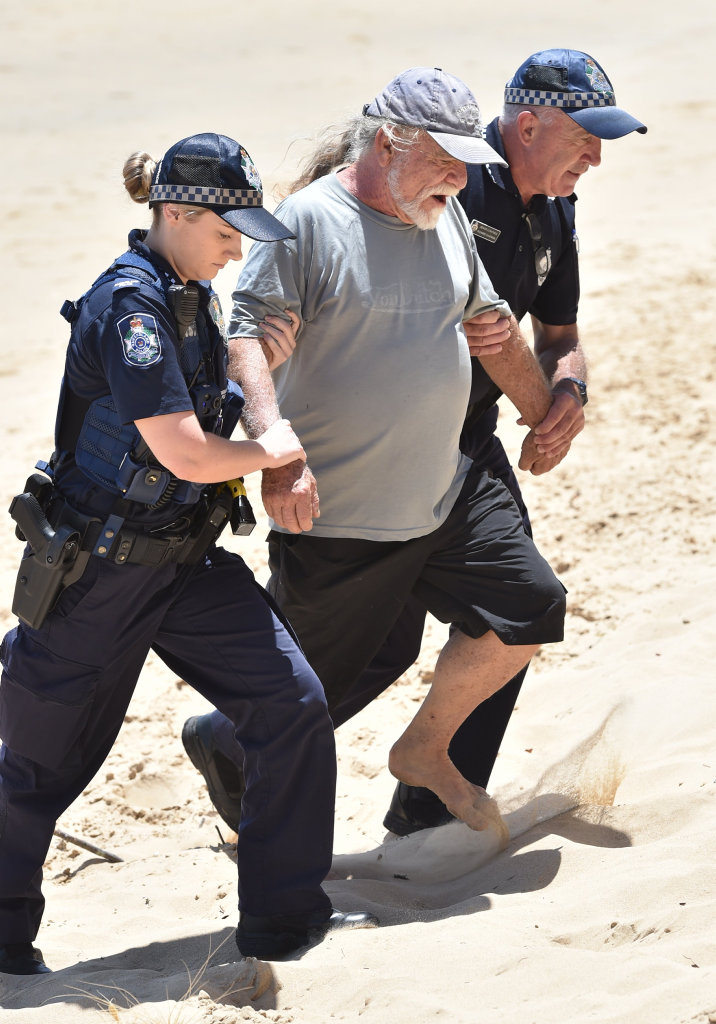Super boat protest at Scarness Beach - Lee Carter is arrested by police.