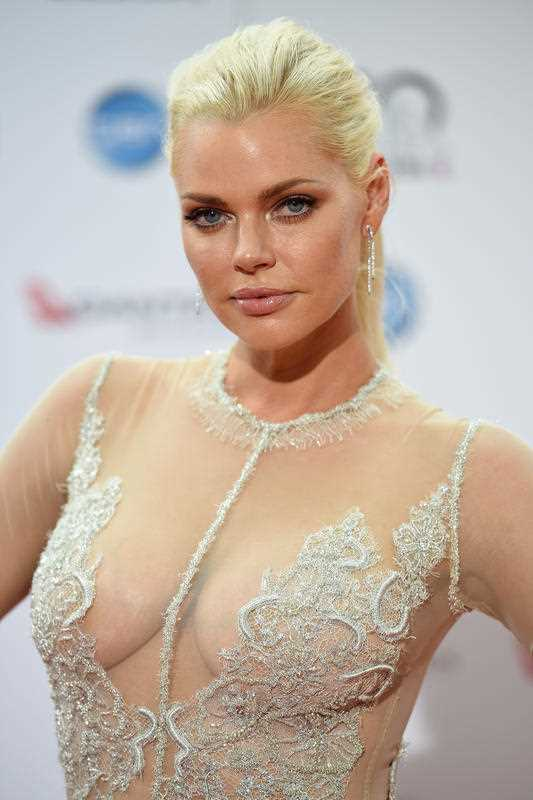 Sophie Monk at Aria Awards in 2016