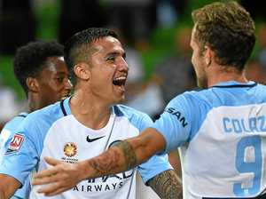 Cahill stunner leaves Adelaide on brink of wooden spoon