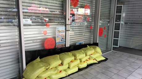 Ayr shops preparing for Cyclone Debbie 2017
