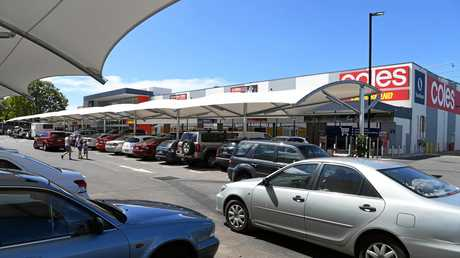 It was a busy Monday morning at the Stockland Kensington shopping centre.
