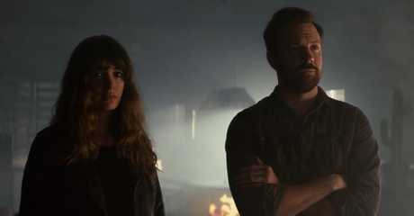 Anne Hathaway and Jason Sudeikis in a scene from the movie Colossal.