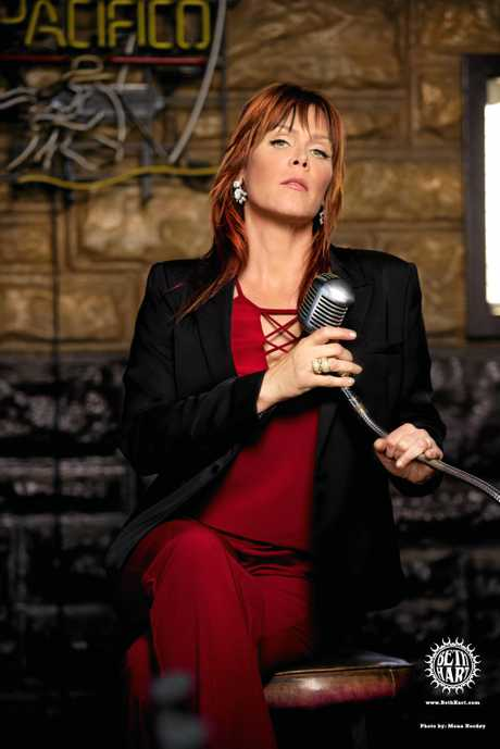 American artist Beth Hart will perform at Bluesfest 2017.