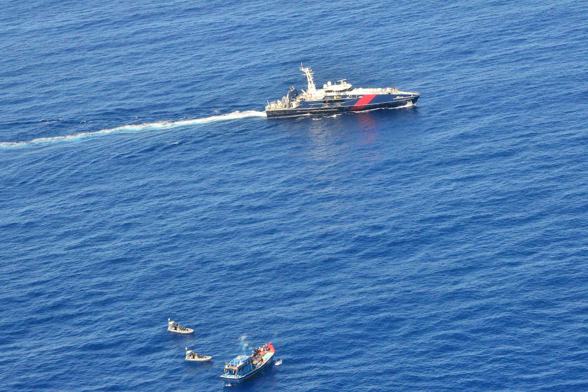 A Vietnamese fishing vessel and its crew of 15 men suspected of illegally fishing near Saumarez reef in the Coral Sea Commonwealth Marine Reserve has been apprehended.