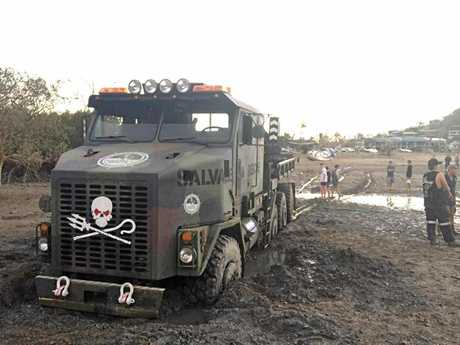 Many offered help and support to rescue the truck.