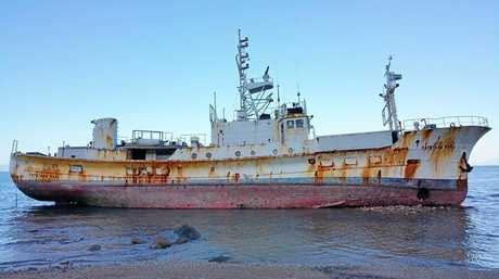 Tateyama Maru has run aground at Gloucester Island.