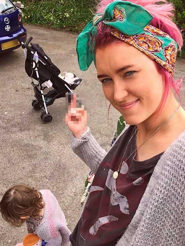The controversial mum, Gylisa, took to Facebook to slam pram snobbery