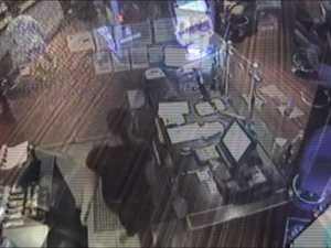 Clowns robs Ipswich pub