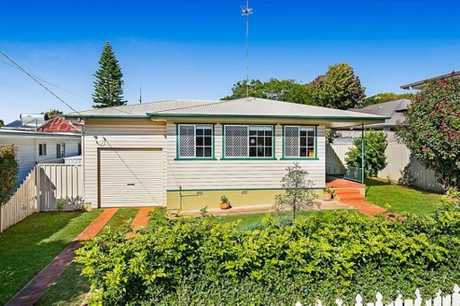 GREAT SPACE: 20 Dalgleish St, South Toowoomba.