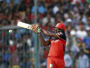 Gayle blasts his way to 10,000 T20 runs