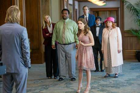 Lisa Kudrow, Craig Robinson, June Squibb, Stephen Merchant, Tony Revolori and Anna Kendrick in a scene from the movie Table 19.