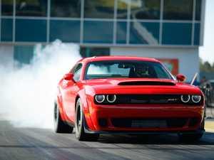 Dodge creates a tyre-smoking road legal drag car