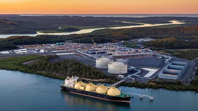 The LNG FUKUROKUJU ship is purpose built to carry LNG from the APLNG facility at Curtis Island to Kansai Electric facility in Japan.