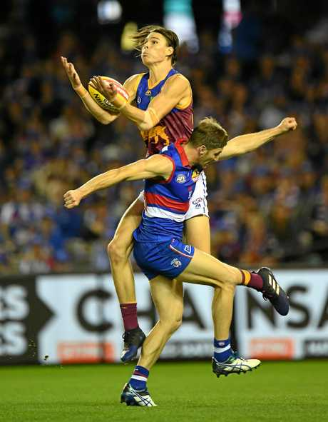 Eric Hipwood of the Lions (left) and Matthew Boyd of the Bulldogs.