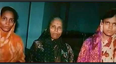 Renuka Shinde (left) and Seema Gavit with their mother Ananja Bai (centre) who mercilessly killed children they had kidnapped for their pickpocketing ring.
