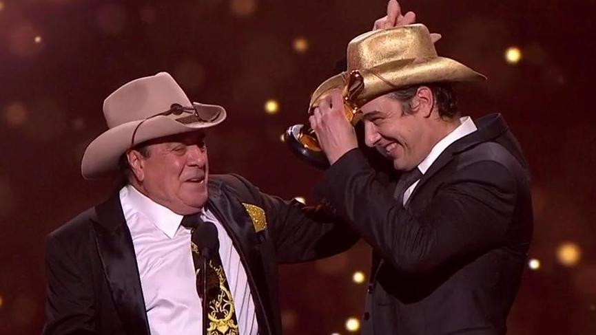 Molly Meldrum joined Samuel Johnson to celebrate his Gold Logie win.