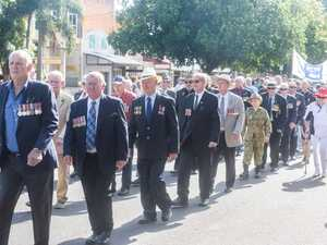 The diggers parade down Prince Street on the way to