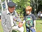 RSM Sid Lewis, 91, met Victor Hobday, 5, at the Alstonville Anzac Day ceremony.