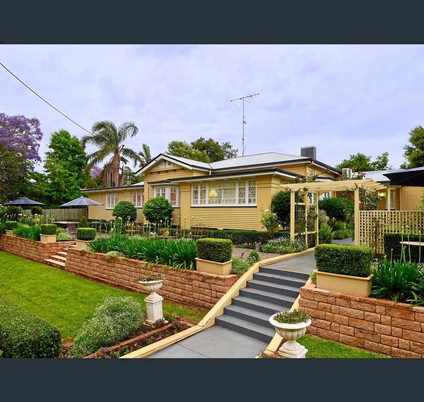 25 Margaret St, East Toowoomba.