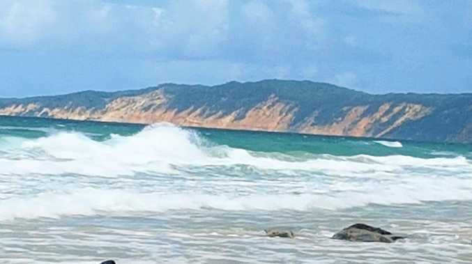 It's important to take note of the tide times when travelling along Rainbow Beach by 4WD.