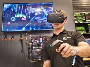 Tech store takes step into world of virtual reality