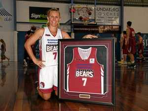 Honour for Bears' best as Giles has her number retired