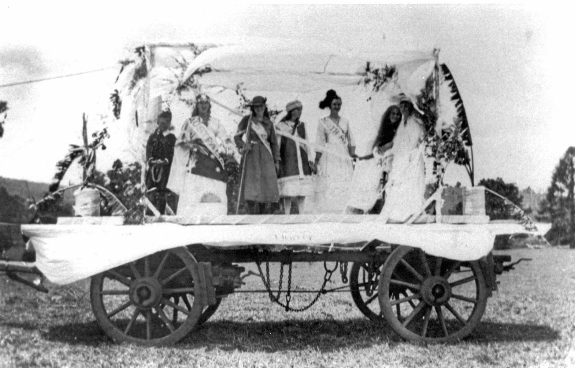 Float which appeared in a Victory Celebration parade held in Maleny near the end of World War 1, ca 1918