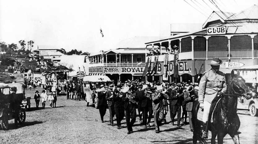 An Anzac Day parade along, Currie St, Nambour, in 1925.