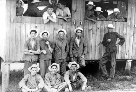Soldiers outside the Brisbane Army Barracks, ca 1917.   Pictured include Hugh Phoenice Parry who enlisted in Nambour on 18 July 1917 and served on the frontline in Le Harve France.