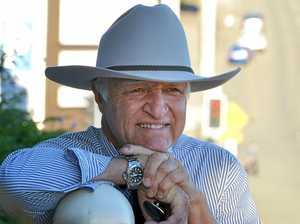 LNP 'betrayed country people': Katter's dairy crisis blast