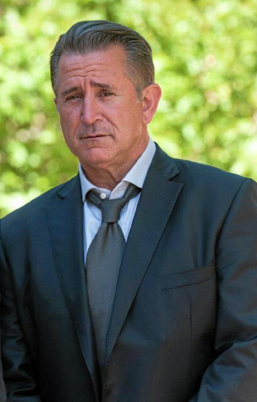 Anthony LaPaglia.